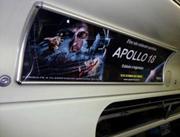 Foto de um anúncio em sanca de metrô