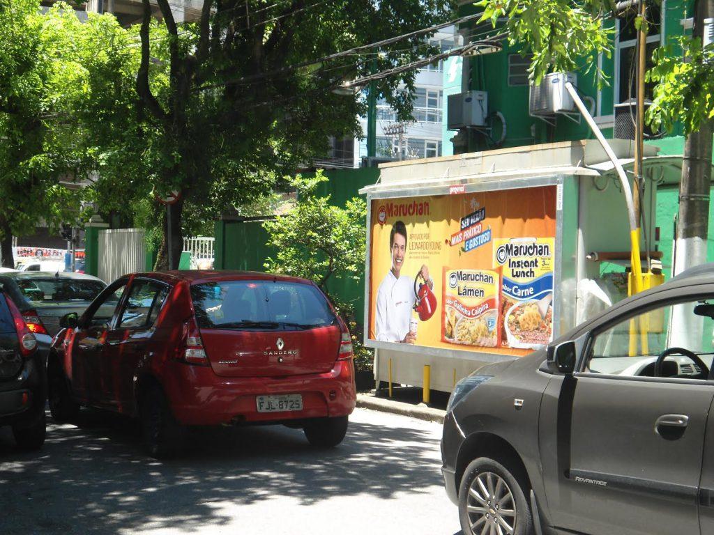 Publicidade em banca de jornal na campanha da Maruchan