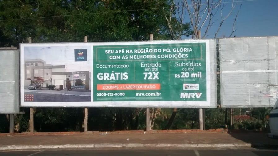 Anúncio em outdoor da MRV em Catanduva/SP